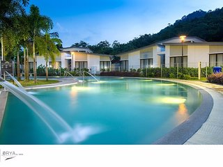 eRYAbySURIA Bentong - Room Deluxe Triple (Pool View)