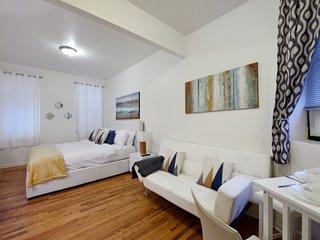 Great Studio apartment located at union Square