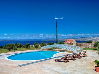 Villa Panorama Hvar – Panoramic sea view luxury pool villa in Hvar