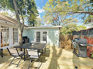 Gulfport Beach House Getaway: 2 BR Cottage w/ Outdoor Entertaining