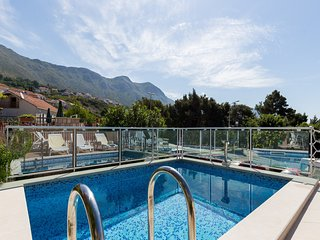 Apartments Green Harmony- Studio Apartment with Terrace and Shared Swimming Pool
