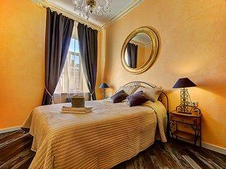 Apartment by Alexander park