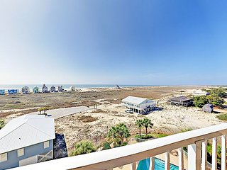 Gulf-View 1BR Condo at The Dunes – Indoor/Outdoor Pool, Beach Path
