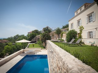 Villa Orchard Dubrovnik – Elegant stone villa with garden and pool, Dubrovnik