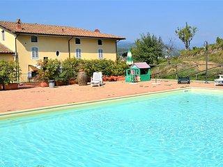 2 bedroom Villa in Serravalle Pistoiese, Tuscany, Italy : ref 5228910