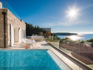 Villa Beige Primosten – Luxury sea view large villa in Primosten, Sibenik area