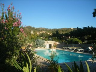 2 bedroom Villa in Tarascon, Provence-Alpes-Cote d'Azur, France : ref 5579177