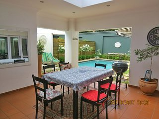 The Upper Park Forest Town, Gorgeous 3 bedroom house with pool, superb location.