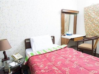 Hilltop Hotel Karachi - With Single room 3
