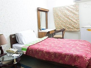 Hilltop Hotel Karachi - With Single room 8