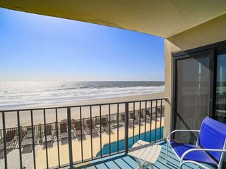 Horizon East 104, 2 Bedroom Oceanfront 1st Floor - Free Water Park, Aquarium, &