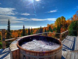 Le Refuge 10 personnes Spa Sauna vue sur le Fleuve - Les Chalets Spa Canada