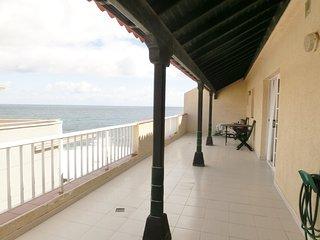 Fantástico y cómodo ático cerca del mar