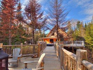Le Nochette 10 personnes avec Spa et lac privé - Les Chalets Spa Canada