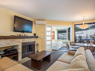 Open-Concept Suite with Fireplace + Kitchen | Ski-in/Ski-out Location!