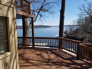 Lovely Lakefront House with Wonderful View - Sleeps up to 10