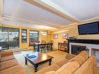 Elegant Suite with Private Mountain View Balcony! | AMAZING LOCATION!
