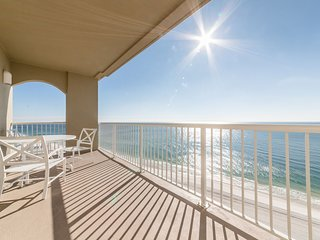 Beautiful Beach Front Condo at Escapes to the Shores