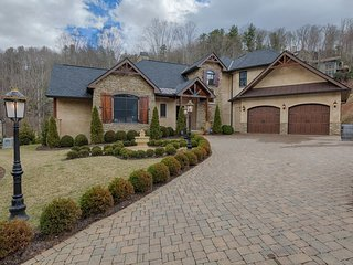 Luxury Executive Home in N. Asheville