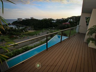 Spacious 3 bedroom with direct beach access - 60833