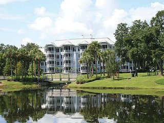 Marriott's Cypress Harbor Villas 2 bedroom, 2 bath central to all Orlando parks