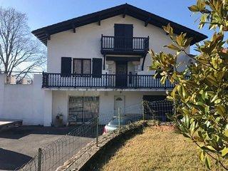 Maison Haize HEgoa 13 -  avec piscine dans quartier calme et résidentiel