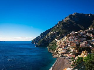 Positano Holiday Home Sleeps 2 with Air Con and WiFi - 5579825