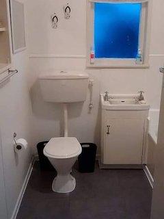 Original 1950s  bathroom.