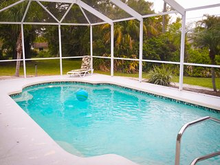 Venice Island Florida, Great Location - walk to downtown or the beach