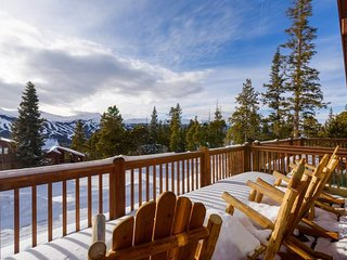 Breckenridge home with hot tub, fire pit, and amazing views - Emmett's Overlook