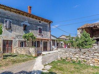 2 bedroom Villa in Pula, Istarska Zupanija, Croatia : ref 5038291
