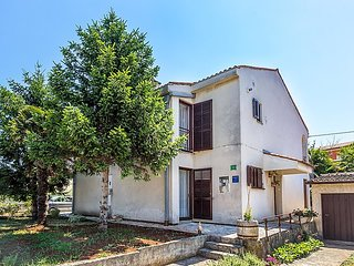 2 bedroom Villa in Pula, Istarska Zupanija, Croatia : ref 5033961