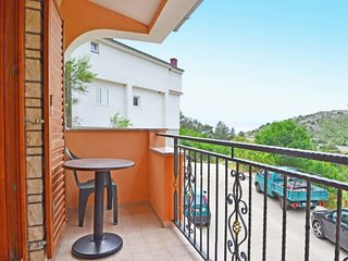 1 bedroom Apartment with Air Con, WiFi and Walk to Beach & Shops - 5397079