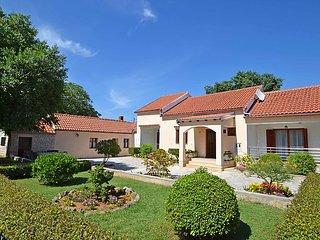 2 bedroom Villa in Novigrad, Zadarska Županija, Croatia : ref 5027774