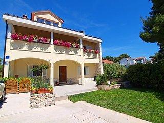 2 bedroom Apartment in Brodarica, Sibensko-Kninska Zupanija, Croatia : ref 50536