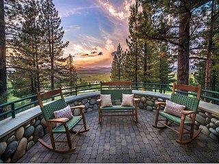 Skidder Trail - Luxury 4 BR on Northstar Golf Course - Hot Tub & Ski Shuttle