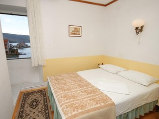 Studio flat Komiza, Vis (AS-2431-b)
