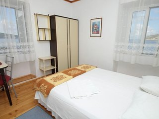 Room Komiza, Vis (S-2431-c)