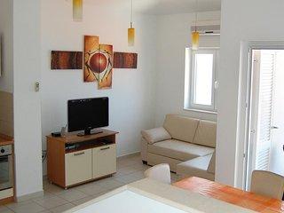 One bedroom apartment Bilo, Primošten (A-3090-d)
