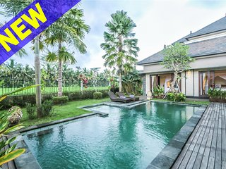 Widi Agung, Luxury 4 Bed Villa, near central Ubud