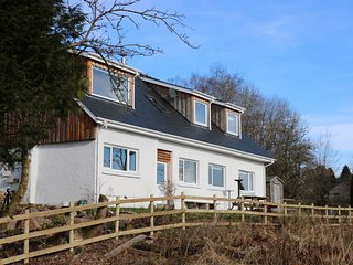 OAK COTTAGE, en-suites, WiFi, Fort William 4 miles