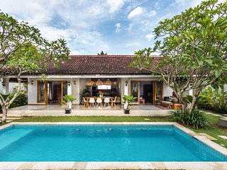Kuta Holiday Villa 10011