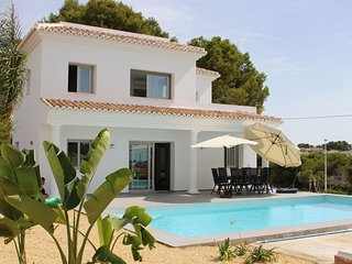 Modern villa (new construction) with private pool in Calpe