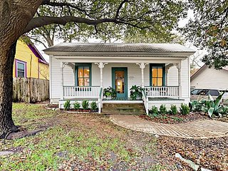 Charming Refined Victorian 2BR w/ Porch & Yard—1 Block to South Congress