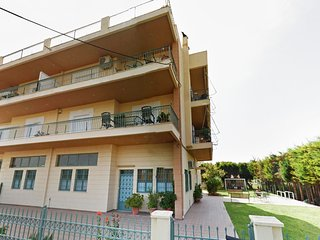 HOSPITALITY /TRADITIONAL HOME MADE FOOD /BALCONIES FULL OF VIEW