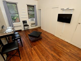 Huge Greenwich Village 1BR - near Washington Square Park + NYU campus