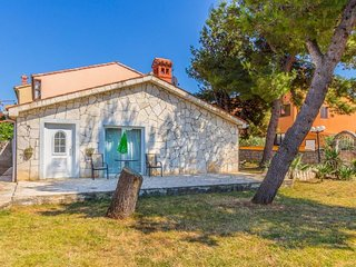 2 bedroom Villa in Medulin, Istria, Croatia : ref 5579253