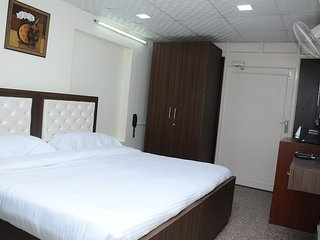 7 Days Service Apartment (Deluxe King Room 3)