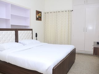 7 Days Service Apartment (Deluxe King Room 4)