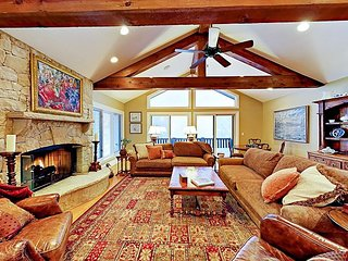 Sprawling 4BR EagleVail Estate w/ Game Room & Theater, Near Slopes & Golf